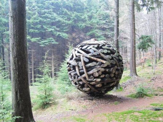 Unusual Wooden Spheres By Lee Jae Hyo