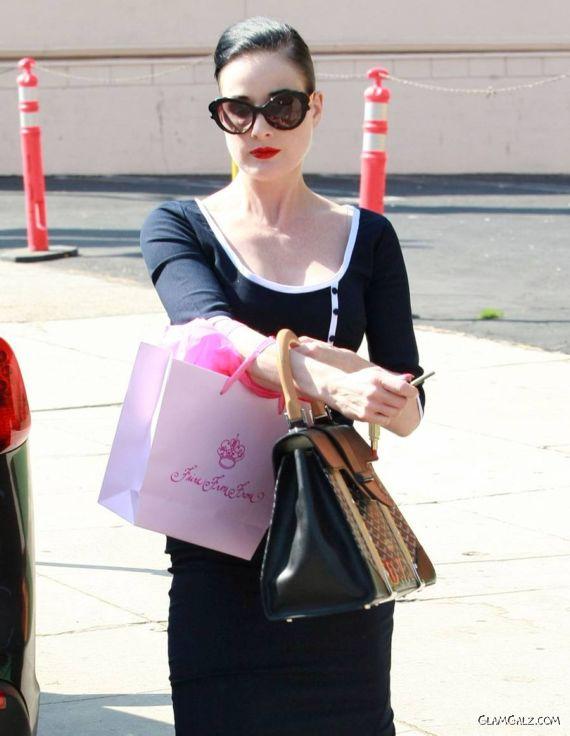 Dita Von Shopping In Studio City