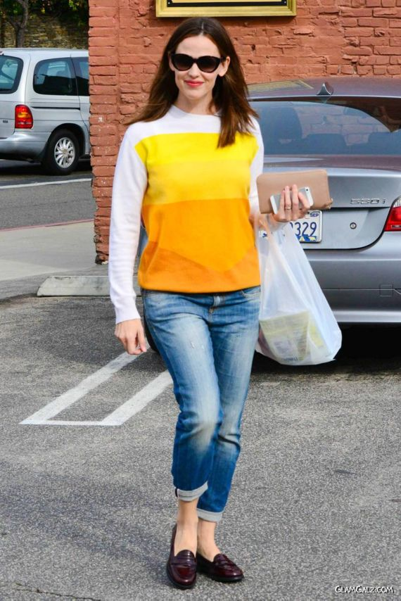 Gorgeous Jennifer Garner Spotted In LA