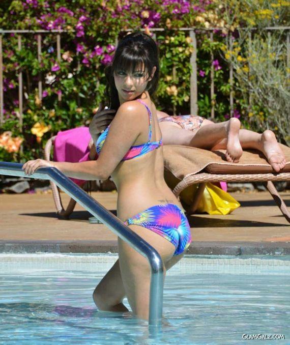 Roxanne Pallett Beats The Heat At The Poolside