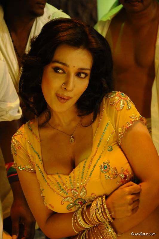 Asha Saini For An Item Song