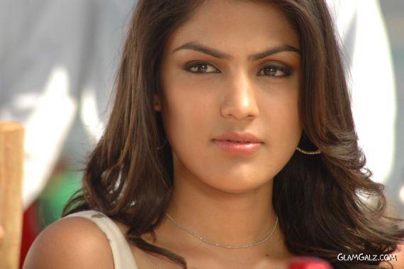 Ria Chakravarthi Exclusive Photo Gallery